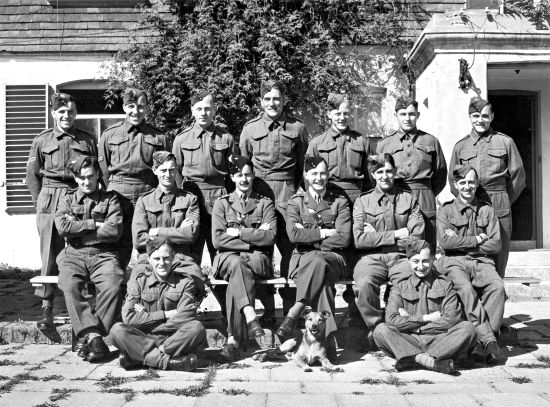 Platoon at Tottington Manor September 1943