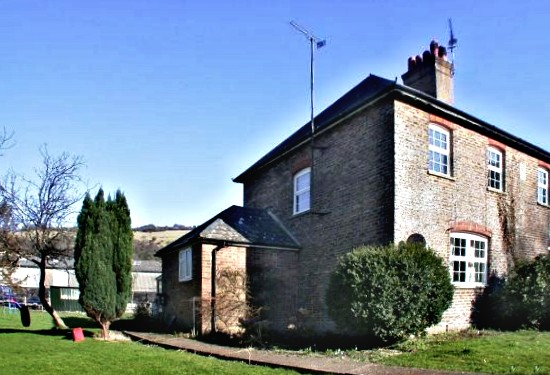 Poynings cottage to let