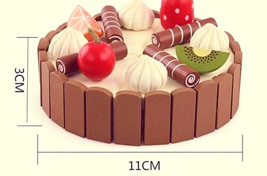 Toy plastic cake